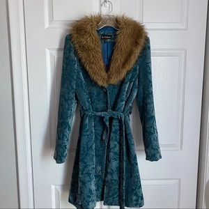 70s INSPIRED BLUE JACQUARD FAUX FUR COLLAR COAT